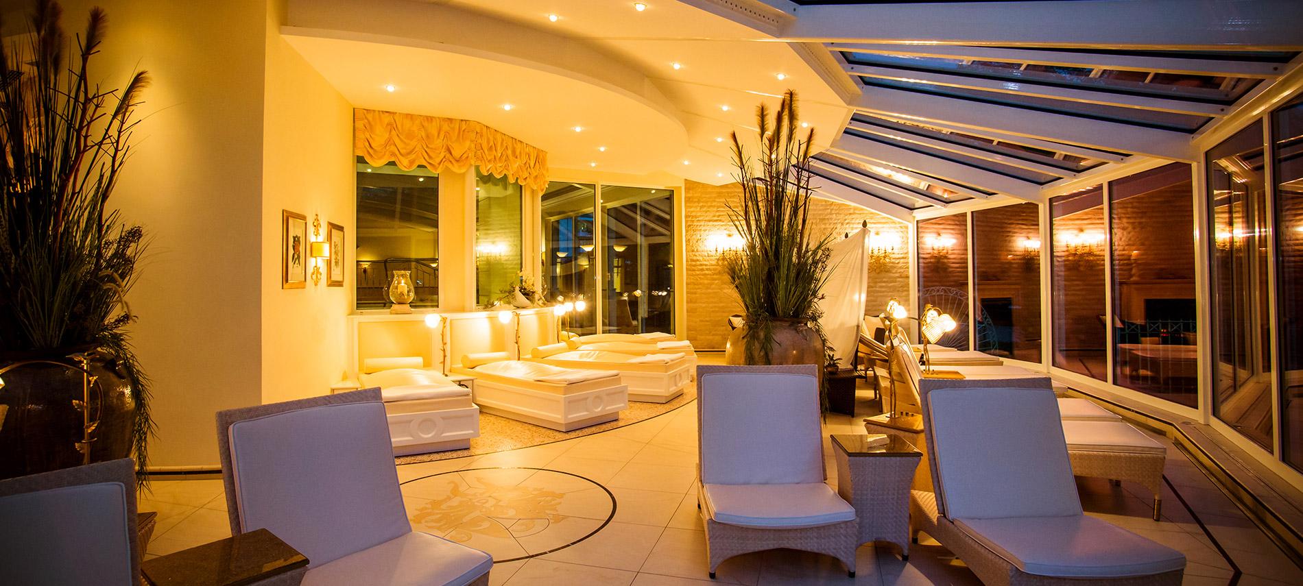 hotels bad f ssing thermenhotel quellenhof bad f ssing 4 sterne. Black Bedroom Furniture Sets. Home Design Ideas
