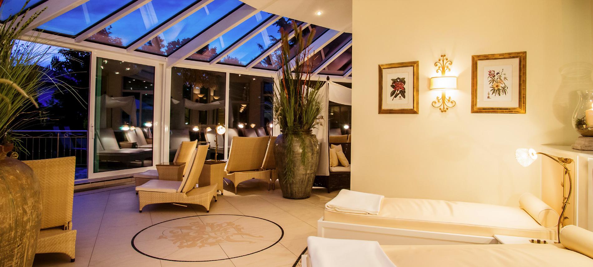 wohnen im hotel quellenhof in bad f ssing. Black Bedroom Furniture Sets. Home Design Ideas